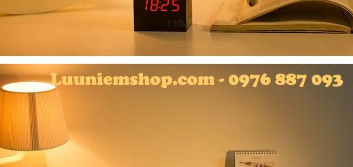 Đồng hồ Led khối gỗ